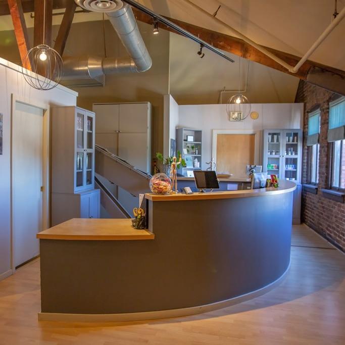 Reception-Divine-Spine-Chiropractic-Studio